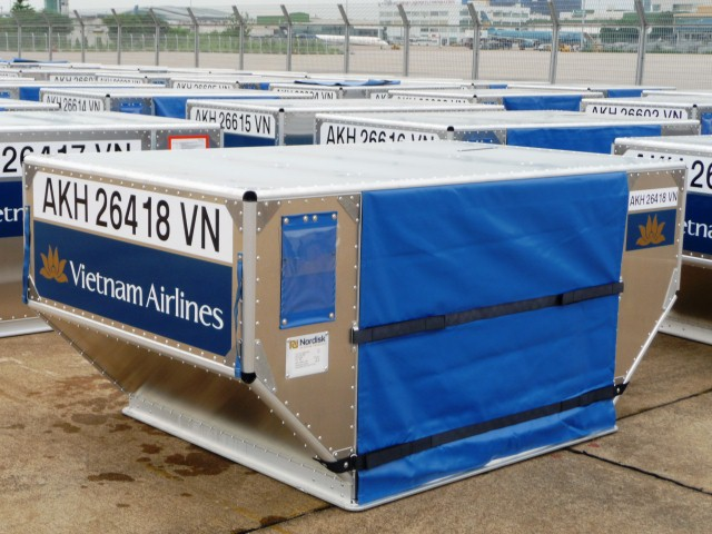 Air Cargo News writes about fuel saving with lightweight air cargo containers